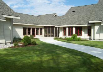 Shaded Lawn Entrance