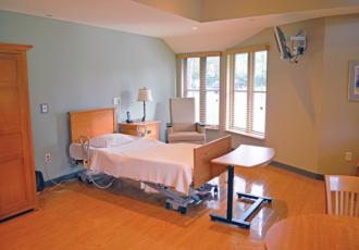 Poppen New Bed web 330x230 - Poppen Hospice Residence